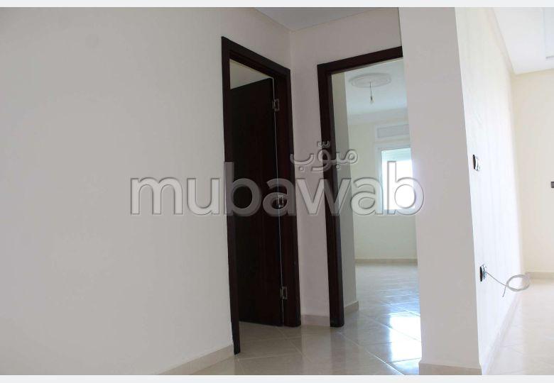 Bonito piso en venta. 2 Sala. Gran piscina.