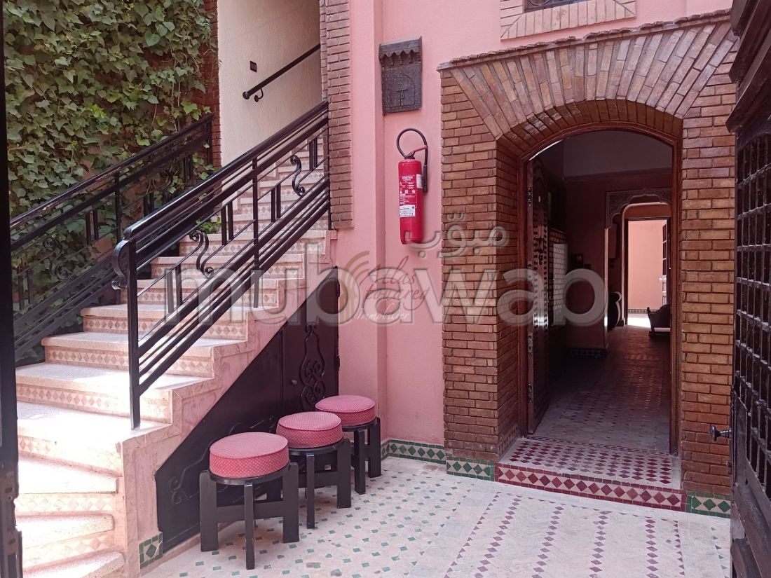 Superb riad for sale in Guéliz. 9 Small bedroom. Living room with fireplace.