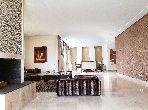 شقة مساحتها 301م²، مطبخ مجهز، شرفة،  غرفة، بوسكورة