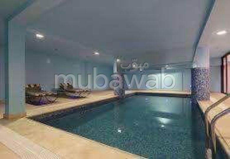 شقة مساحتها 68م²، مفروشة، مطبخ مجهز، 3 غرف، جيليز