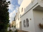 Magnificent villa for rent in Ain Diab. Area 350 m². Fireplace and caretaker service.