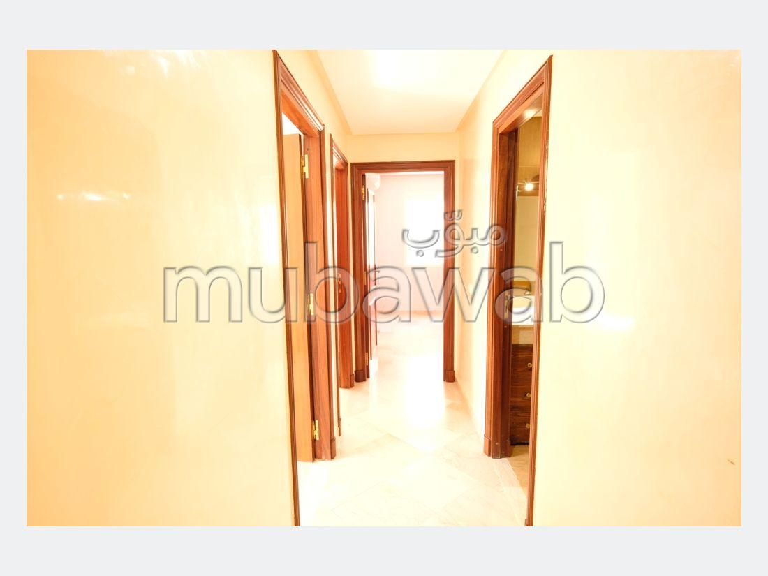 شقة مساحتها 70م²، 3 غرف، جيليز