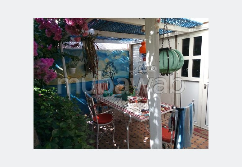 شقة مساحتها 50م²، مفروشة، مطبخ مجهز،  غرفة، دار بوعزة
