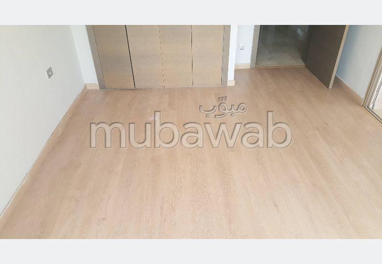 منزل مساحته 512م²، مطبخ مجهز، شرفة، 5 غرف، بوسكورة