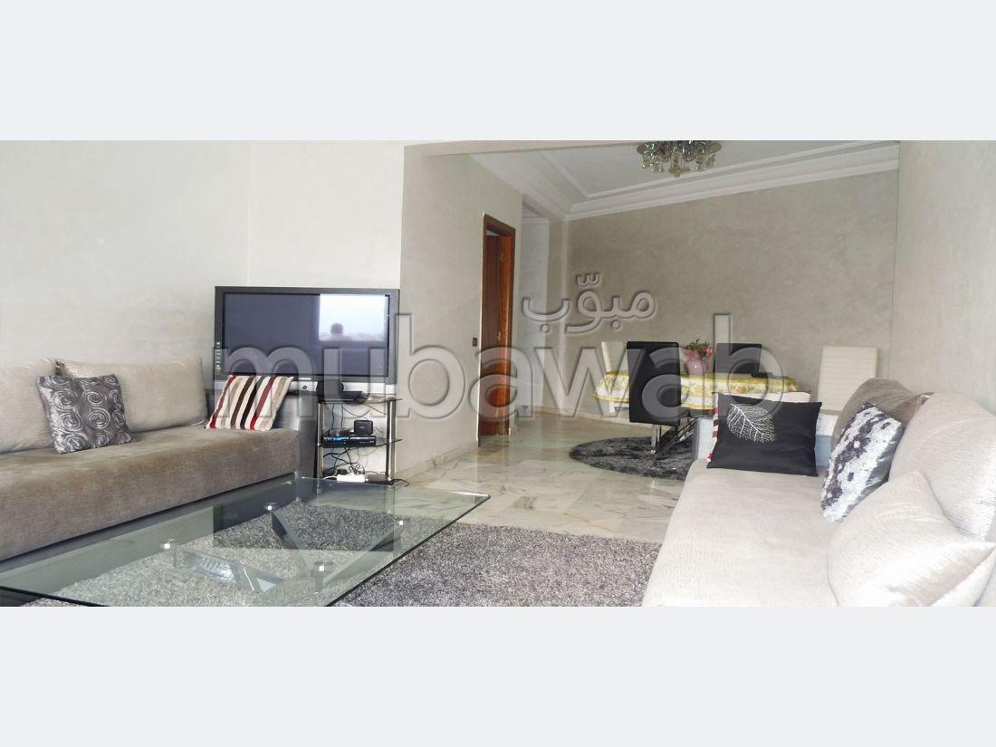 شقة رائعة للإيجار بمراكش. المساحة الإجمالية 96 م². مفروشة.