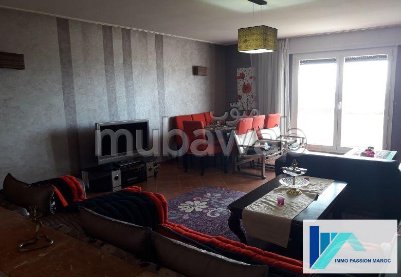 شقة مساحتها 107م²، مطبخ مجهز، شرفة، 4 غرف، الشرف مغوغة