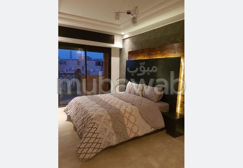 Magnífico piso en venta en Guéliz. 3 Sala de estar. está amueblado con buen gusto.