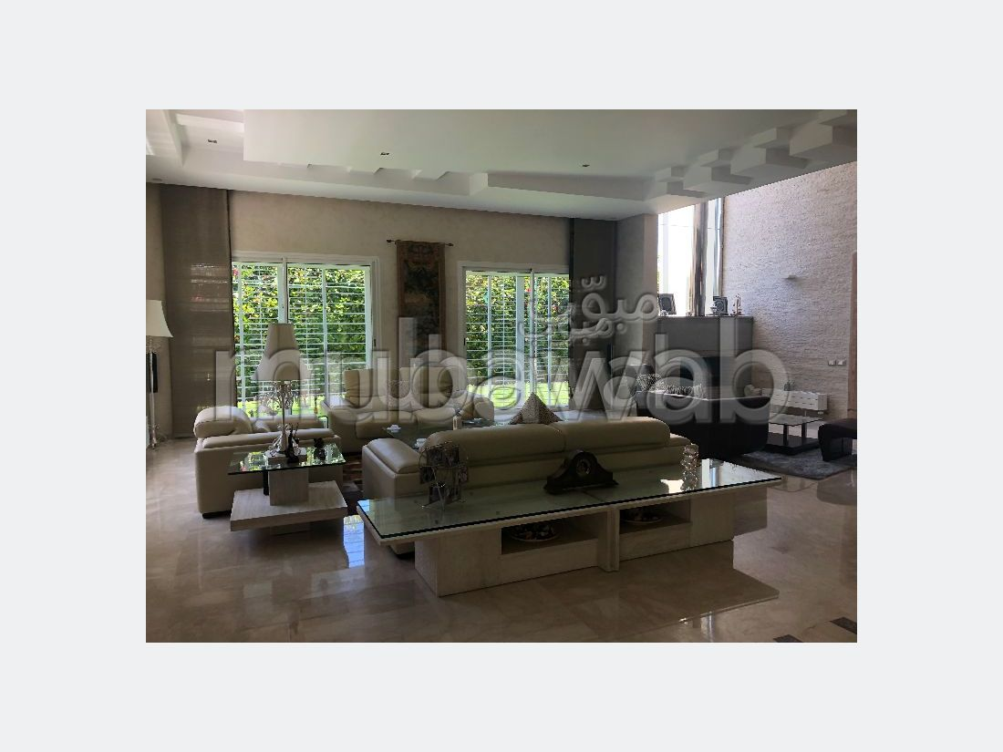 Luxury Villa for sale in Jbel Kbir. 4 Dormitory. Fully equipped kitchen.