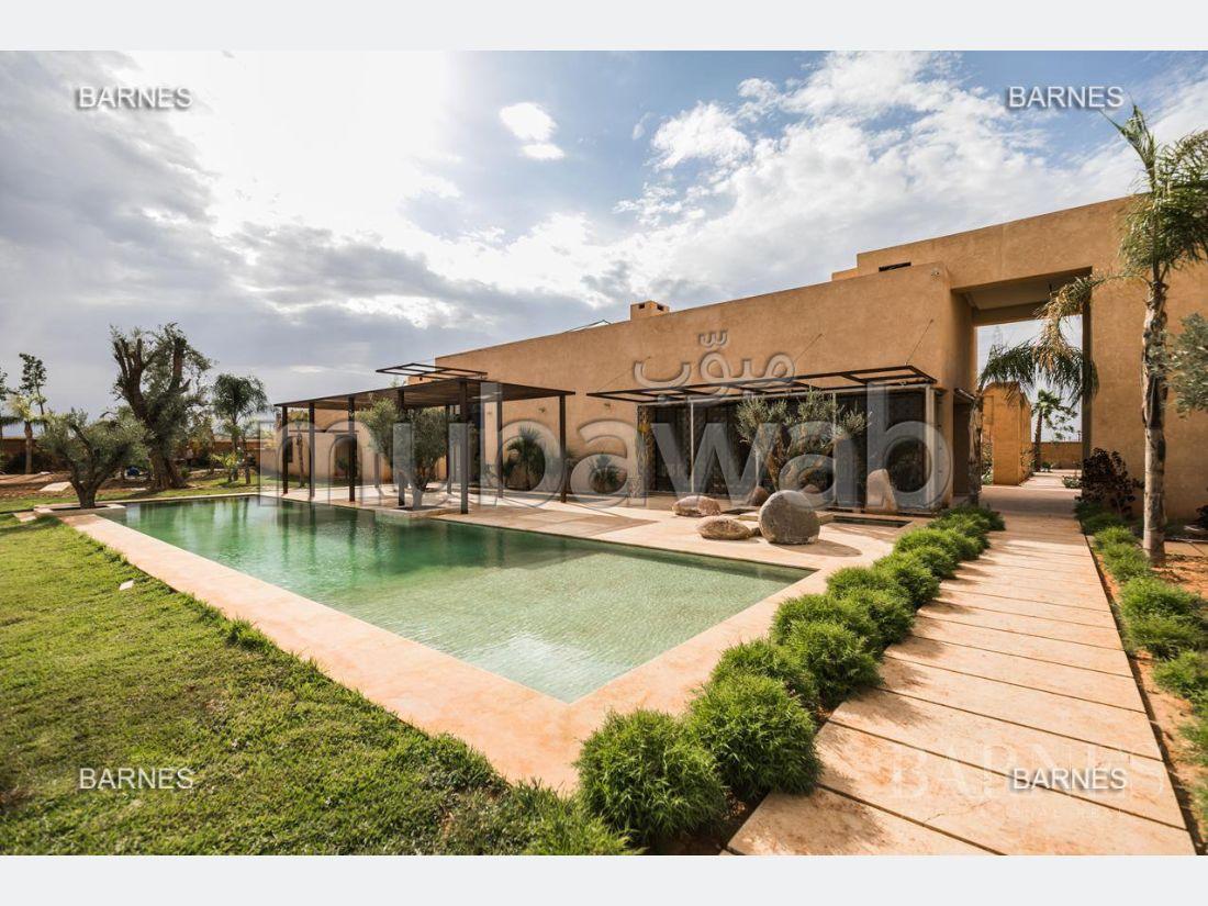 بيع منزل بمراكش. المساحة الإجمالية 1500.0 م². مسبح ، مكيف هواء.