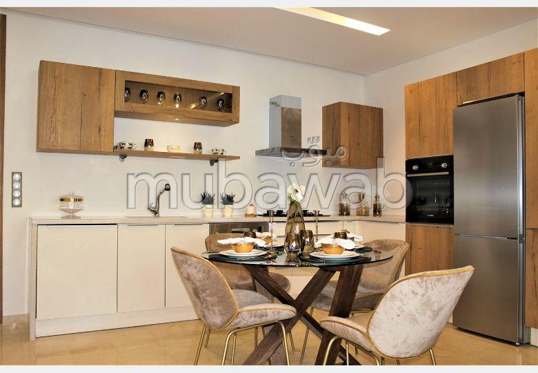 شقة رائعة للبيع بطنجة. المساحة 185.0 م². شرفة رائعة.