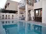 فيلا مساحتها 500م²، مفروشة، شرفة، 5 غرف، النخيل