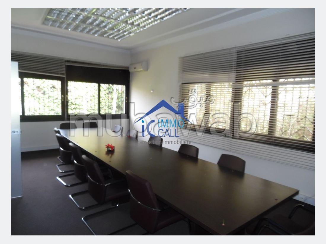 à LOUER Villa 1200 m² usage Bureau à Hay Riyad