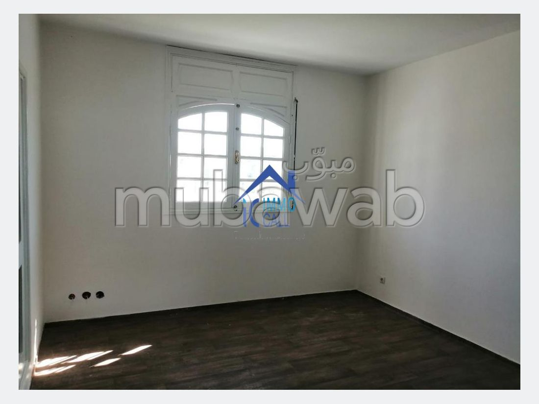Alquiler villa de lujo. 3 Habitacion grande. Puerta blindada, salón tradicional marroquí.