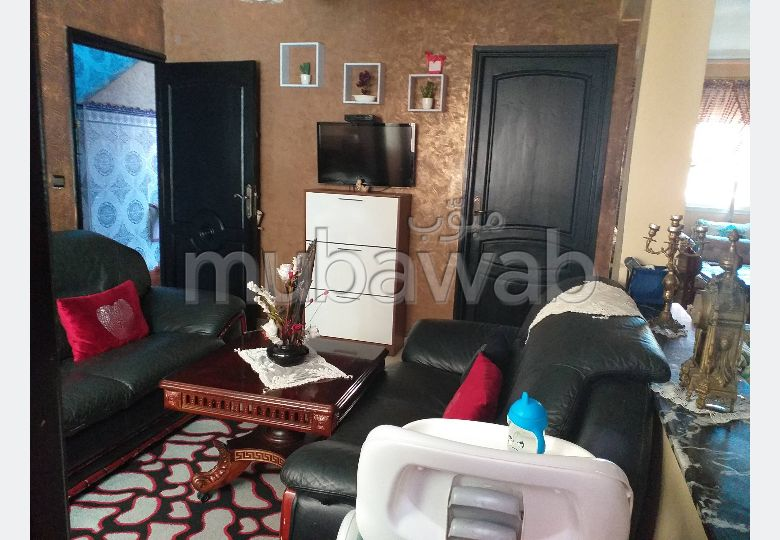 Apartment to purchase in Bab Al Bahr. Total area 100 m². Traditional living room.