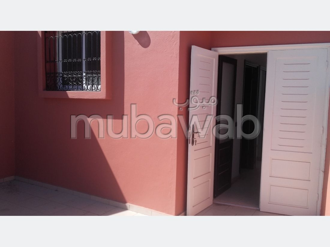 Beautiful apartment for sale in Raounak. Small area 80 m². Balcony.