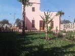 Casa de lujo en venta en Route de Marrakech. Superficie 1 000 m². Chimenea funcional, residencia con piscina.