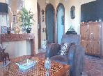 Beautiful apartment for sale in Centre ville. Small area 80 m². Usable fireplace.