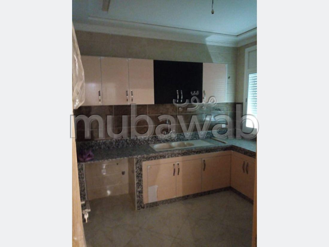 Piso en venta en Ismalia. 3 dormitorios. Cocina totalmente equipada.