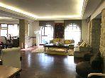 شقة مساحتها 400م²، مطبخ مجهز، مصعد، 7 غرف، أنفا