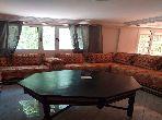 Magnifique villa à vendre à Kénitra. 5 pièces. Salon traditionnel et système d'antenne parabolique.