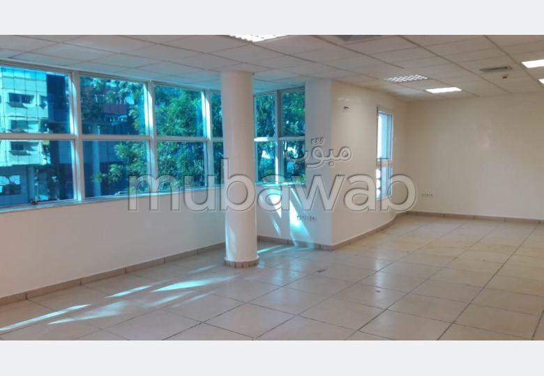 Location plateau de bureau 342 m² sur Agdal