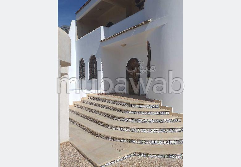 فيلا مساحتها 350م²، مطبخ مجهز، شرفة، 7 غرف، مهدية