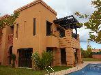 Villa 250m², Cuisine équipée, Terrasse, Benslimane