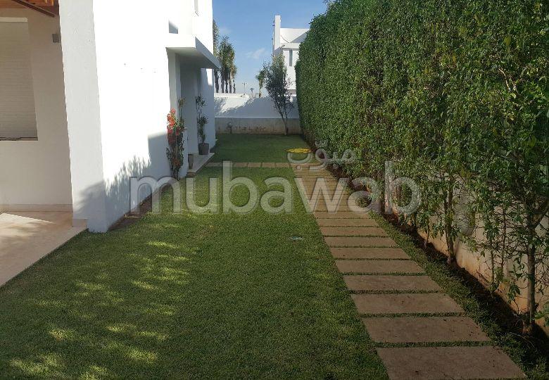 Location d'une très jolie villa à Casa Green Town