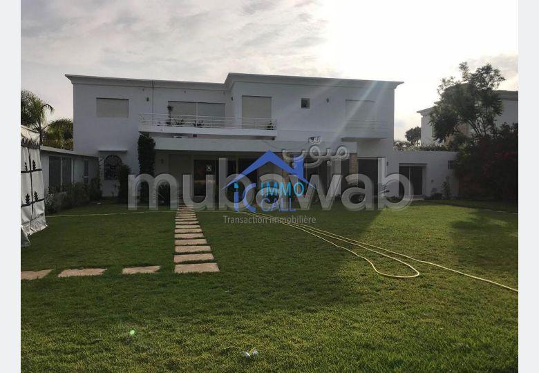 à LOUER Villa usage BUREAU 2000 m2 à Souissi