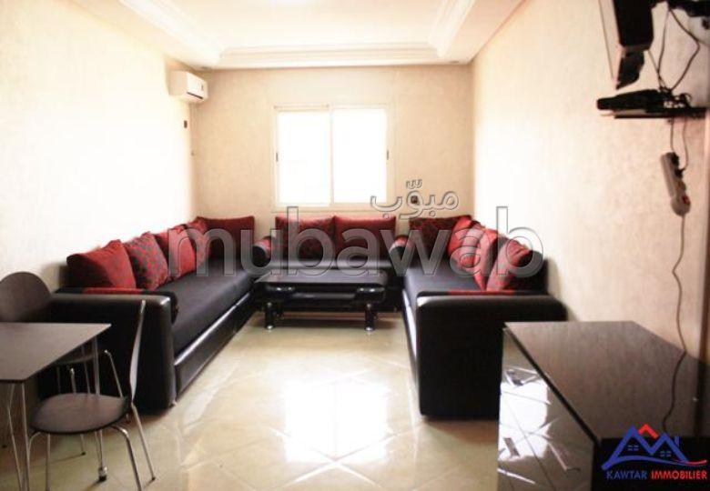 Piso en alquiler en Guéliz. 1 dormitorio. Salón marroquí tradicional, residencia segura.