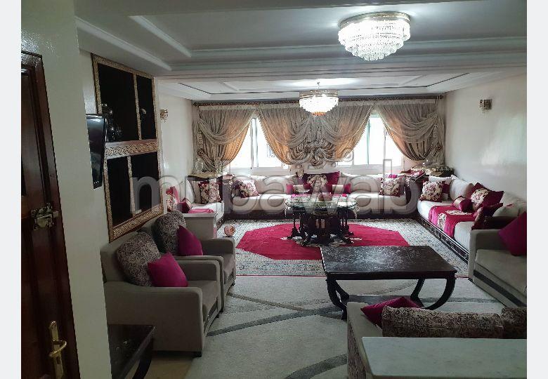 شقة للبيع بالقنيطرة. المساحة الكلية 132 م². موقف سيارات ومصعد.