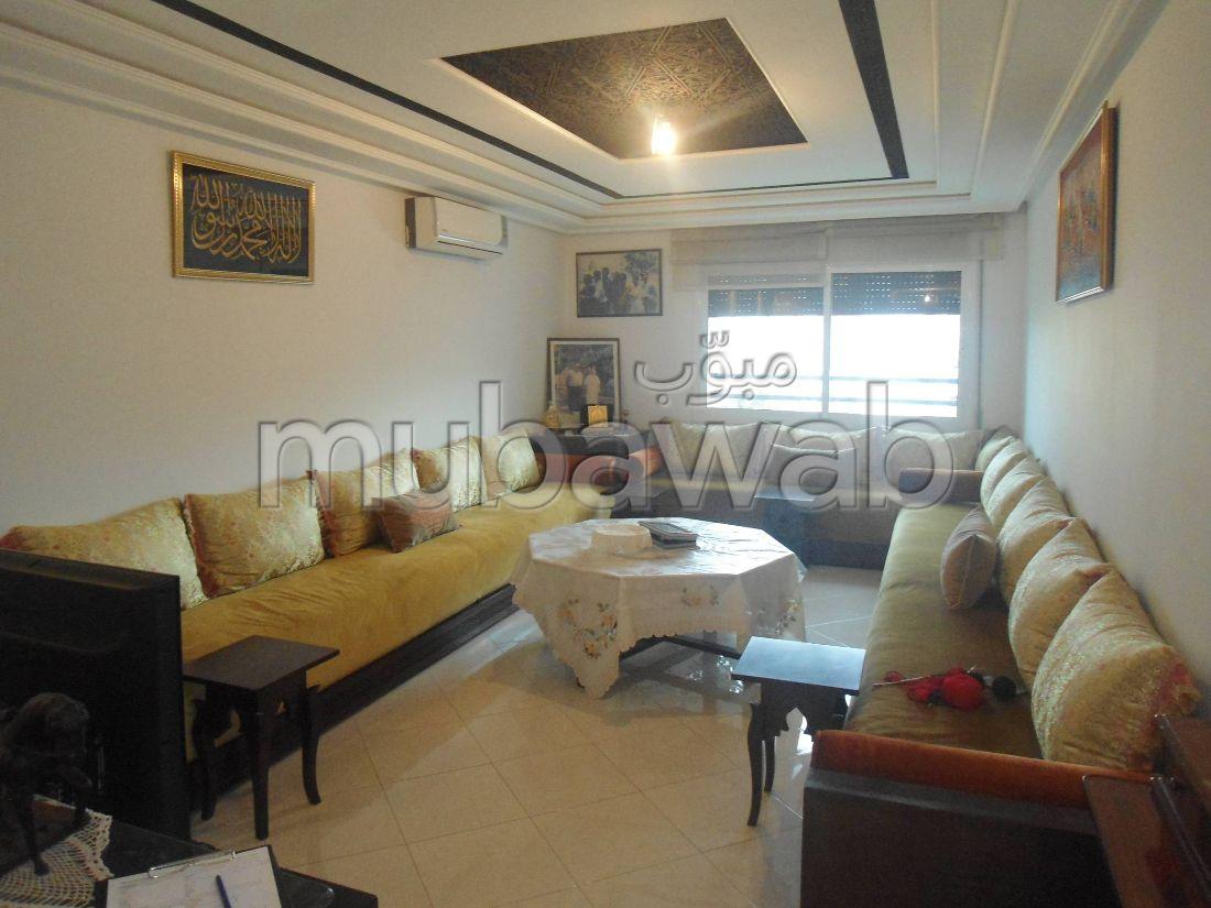 Magnífico piso en venta en La Ville Haute. 4 habitaciones grandes. Ascensor y garaje.