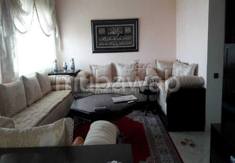 شقة للبيع ب المغرب العربي.  ممتازة. مع مصعد وشرفة