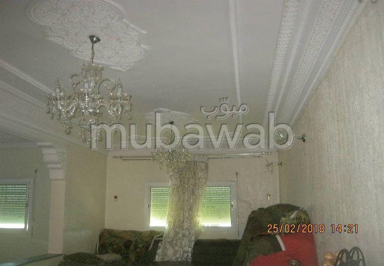 شقة رائعة للبيع بفاس. 9 قطع رائعة. باب متين ، صالون مغربي.
