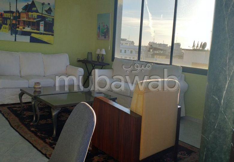 Encuentra un piso en alquiler en De La Plage. 3 Hermosas habitaciones. con muebles.