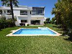 Villa moderne 804 m2 avec piscine en Résidence haut standing à Dar Bouazza