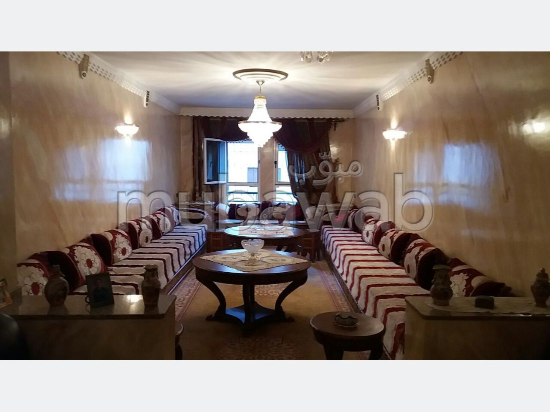 Se vende piso en Administratif. Superficie de 123 m². Con Ascensor, Estacionamiento.