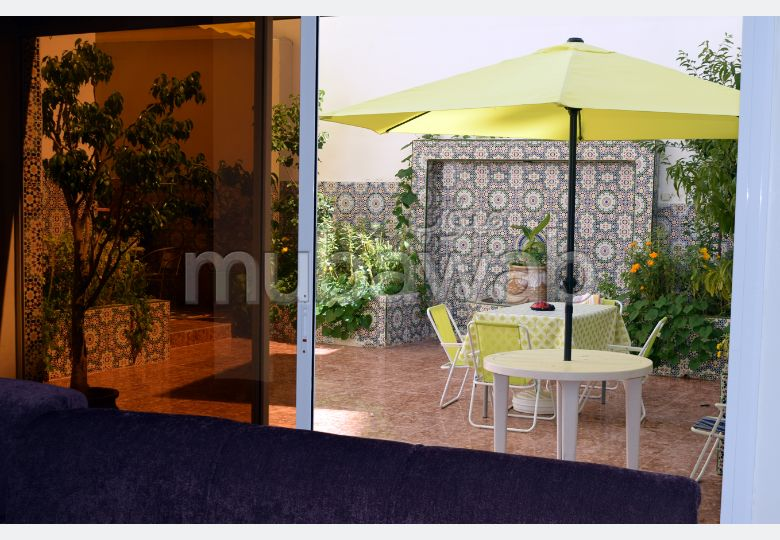 Fabulous apartment for sale in Maamora. Surface area 280 m². Garage and terrace.