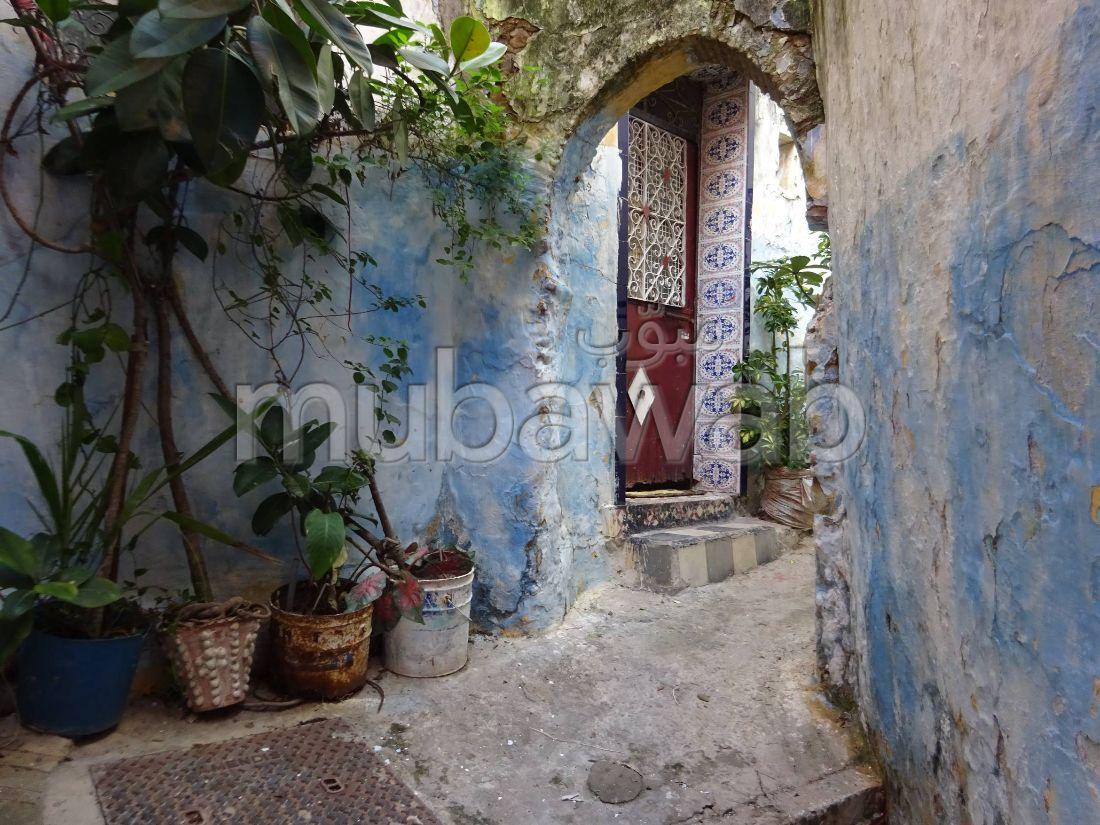 بيع منزل ممتاز ب المدينة القديمة. المساحة الإجمالية 100 م². محيط هادئ يطل على الجبال.
