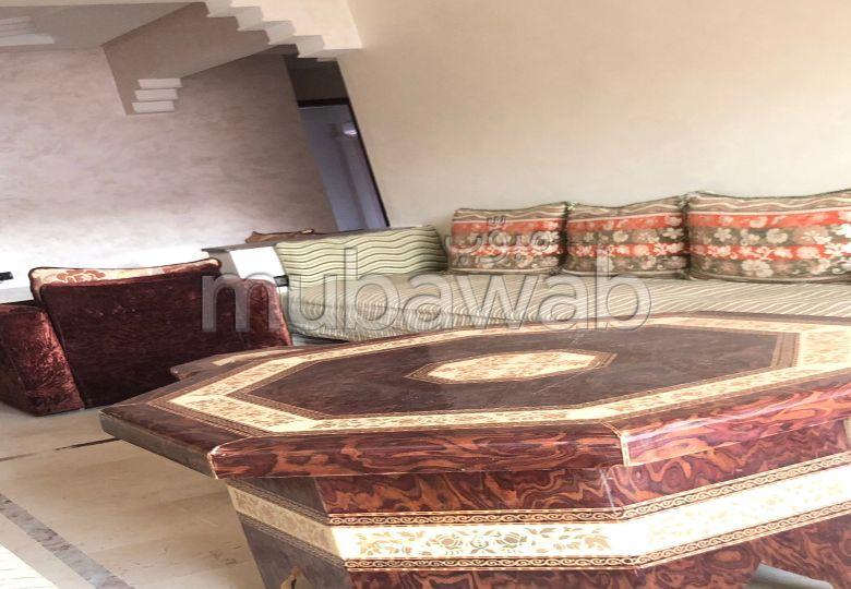 Bonito piso en venta en Guéliz. Superficie 80 m². Conserje disponible, aire condicionado general.