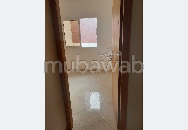 بيع شقة ب الاسماعيلية. المساحة 74 م². صالون معاصر