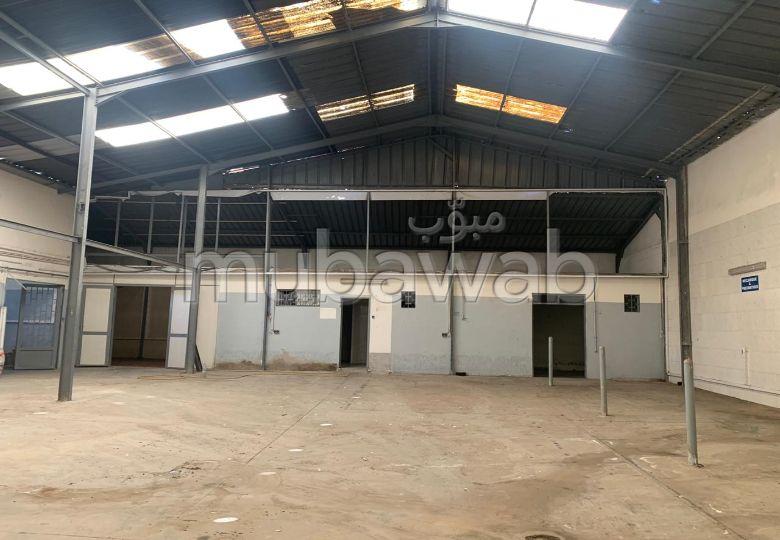 Dépôt 460 m² Avec Espaces Bureau Au Centre Ville