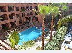 Alquila este piso en Hivernage. Área total 96 m². Puerta blindada, salón tradicional marroquí.