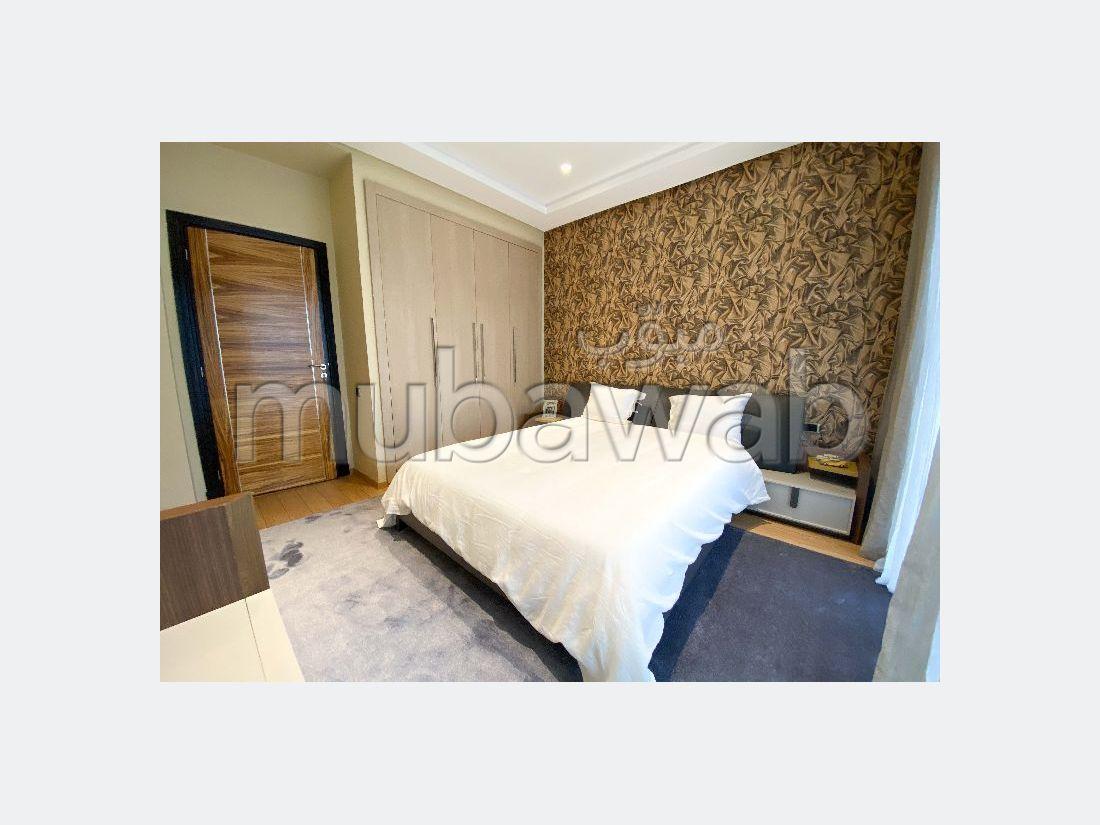 شقة جميلة للبيع ببوسكورة. المساحة الكلية 247.0 م². إقامة بالمسبح.