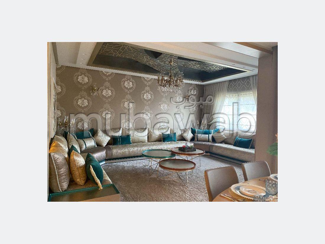 شقة جميلة للبيع ببوسكورة. المساحة الإجمالية 243.0 م². مسبح.