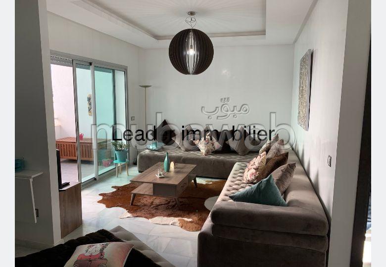 Encuentra un piso en alquiler en La Siesta. 1 bonita habitación. Vestidor.