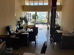 Local commercial à vendre à De La Plage. Surface de 255 m². Porte blindée, sécurité