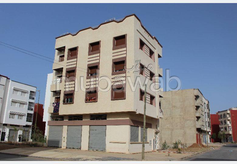 بيع شقة بالقنيطرة. 2 غرف. صالون مغربي.