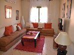 شقة للشراء بمراكش. 2 غرف رائعة. تتوفر الإقامة على خدمة الكونسياج ونظام تكييف الهواء.