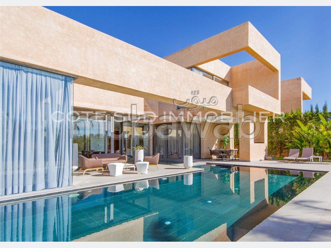 Villa neuve de 500 m2,4 chambres, piscine sur 2000 m2 dans domaine clos et gardienné, 10 minutes centre